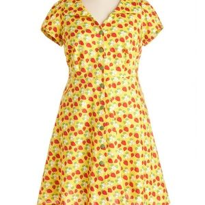 Floral Field DayDress- in Strawberries